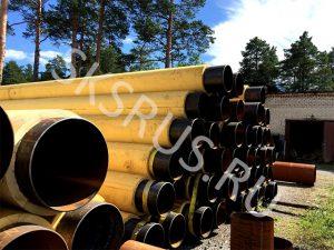 Открытый склад труб в ППМ изоляции